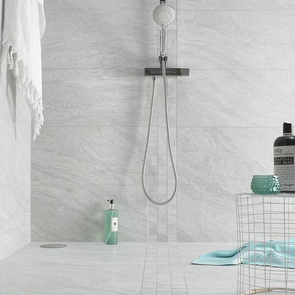 Valstein Light Grey Mosaic with Valstein Light Grey 30x60 and 60x60